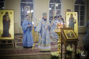 Первая Божественная Литургия в храме Двунадесяти Апостолов